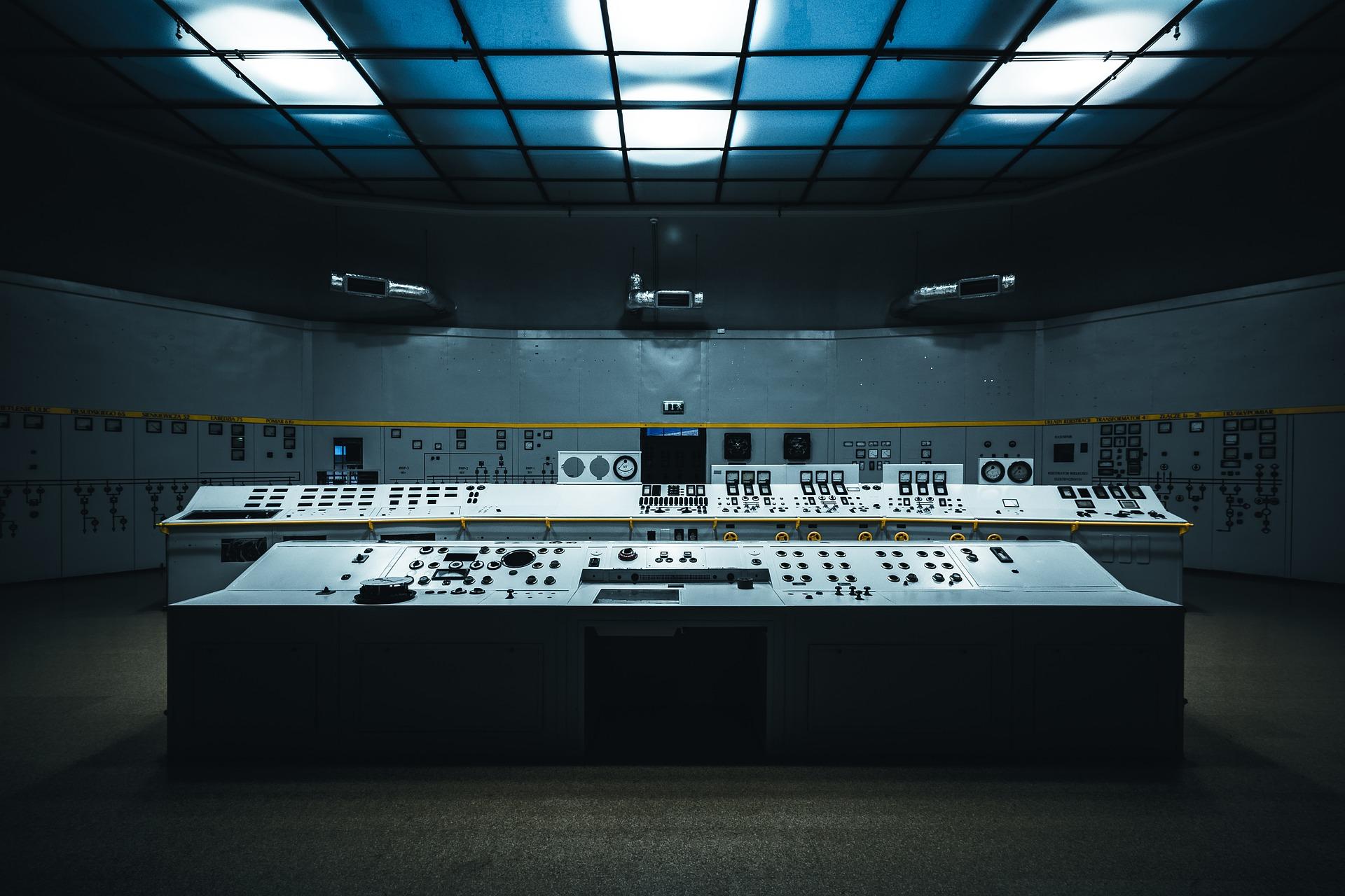 コントロールルームのコントロールパネル